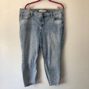 Torrid Light Wash Cropped Pants
